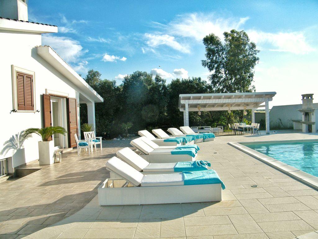 Ant Martina Franca 4 bedroom (sleeps 12) villa rental puglia - no booking fees