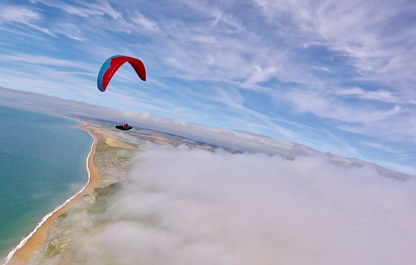 Holiday rental Cottage in Shorwell - Richard flying over Atherfield bay.