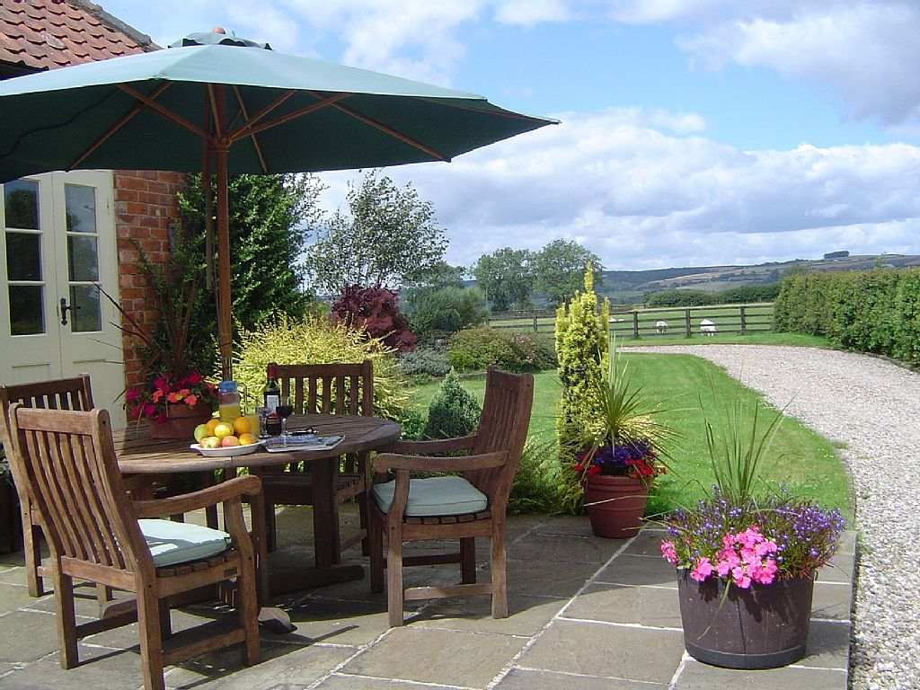 Astonishing 2 Bedroom Sleeps 4 Holiday Cottage Pickering No Booking Home Interior And Landscaping Elinuenasavecom