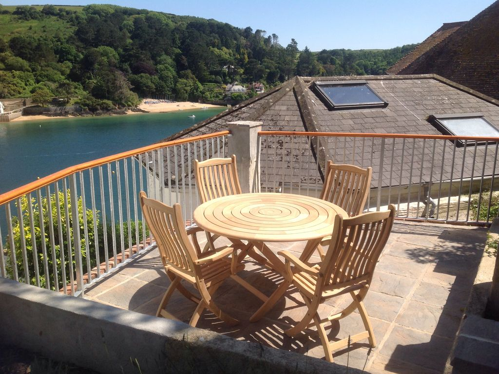 Pleasing 3 Bedroom Sleeps 6 House In Salcombe No Booking Fees P9763 Download Free Architecture Designs Viewormadebymaigaardcom